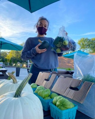 Happy Friday! Reminder- it's never too late to join City Fresh! Check out this first-time shareholder picking up their share yesterday at Old Brooklyn.   Order at cityfresh.org 🍓  #cityfresh #csa #eatlocal #shoplocal