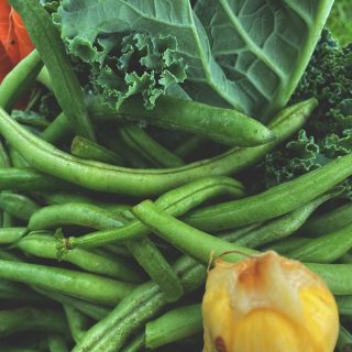 Ask us about our green beans! They're crunchy, delicious, and chock full of all the vitamin A, vitamin C, & fiber your body craves. Blanch them, sauté them, or get to crunching raw! You can't go wrong with some locally grown City Fresh green beans.   Order for week 6 at cityfresh.org today. 🍓  #cityfresh #csa #eatlocal #shoplocal